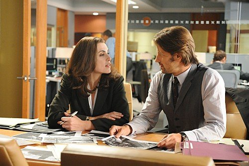 The Good Wife: Julianna Margulies e Chris Bowers nell'episodio Unorthodox