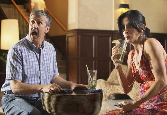 Cougar Town: Alan Ruck e Courteney Cox nell'episodio Two Gunslingers