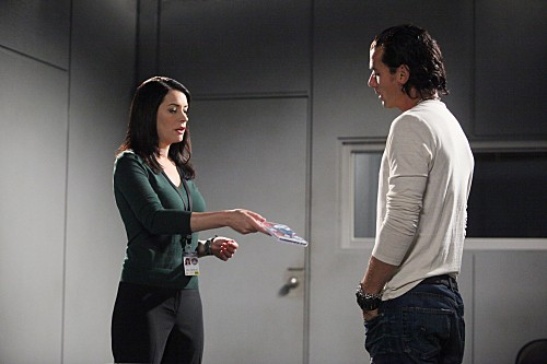 Criminal Minds: Paget Brewster con la guest star Gavin Rossdale nell'episodio Shemar Moore