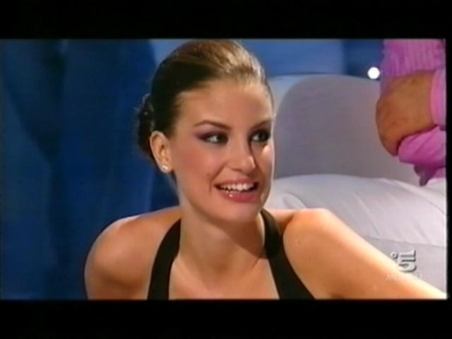 Francesca Fioretti durante la prima puntata del Grande Fratello 10
