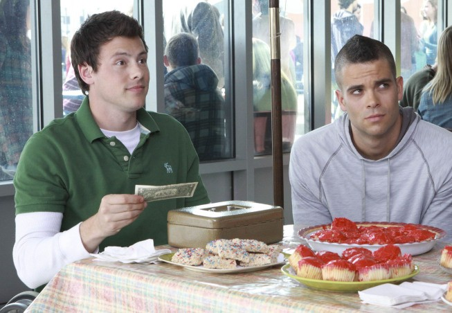 Glee: Cory Monteith e Mark Salling nell'episodio Wheels