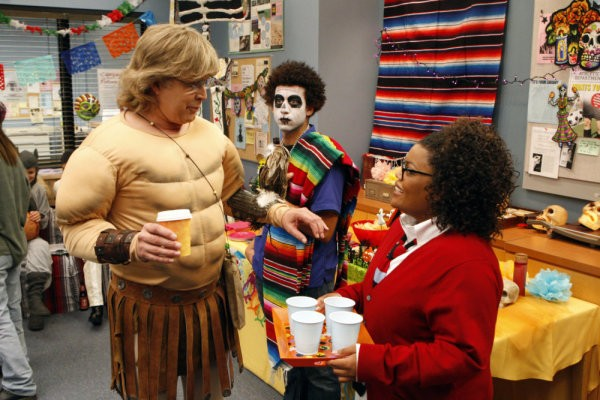 Community: Chevy Chase ed Yvette Nicole Brown nell'episodio Introduction to Statistics