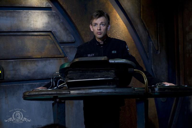 Il Sergente Riley (Haig Sutherland) nell'episodio Water di Stargate Universe