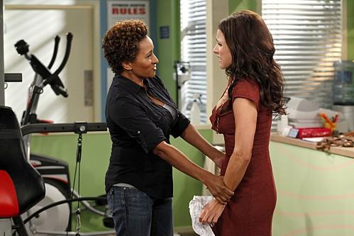 La complicata vita di Christine: Wanda Sykes e Julia Louis-Dreyfus nell'episodio Nuts