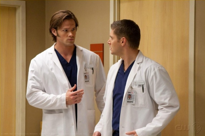 Supernatural: Jensen Ackles e Jared Padalecki nell'episodio Changing Channels