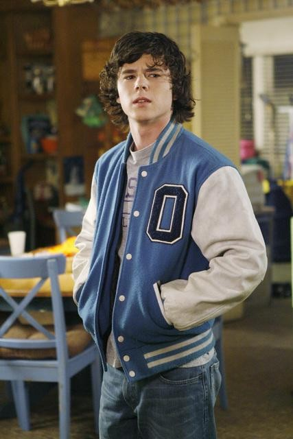 The Middle: Charlie McDermott nell'episodio The Front Door