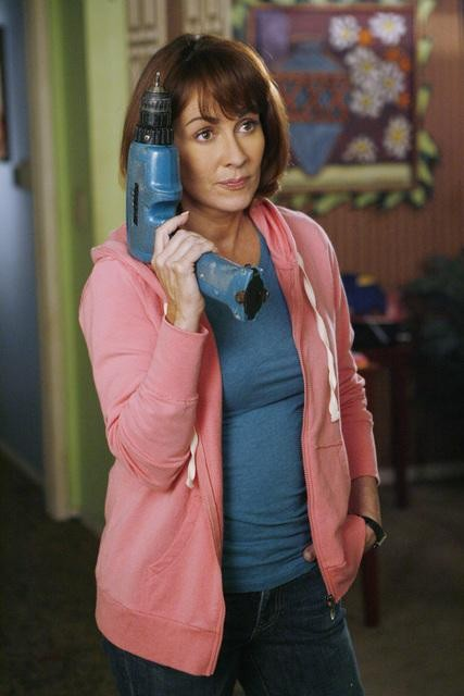 The Middle: Patricia Heaton in una scena dell'episodio The Front Door