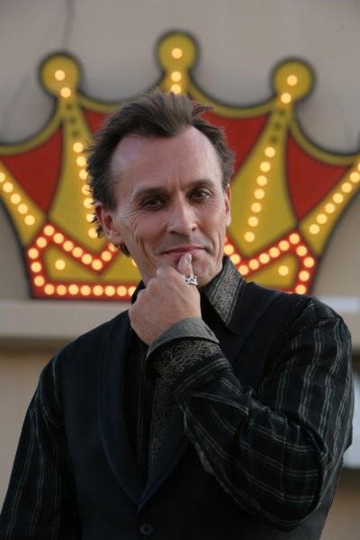Robert Knepper in una scena di Strange Attractors della quarta stagione di Heroes