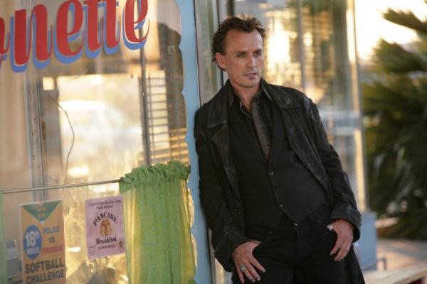 Robert Knepper in una scena tratta da Strange Attractors della quarta stagione di Heroes