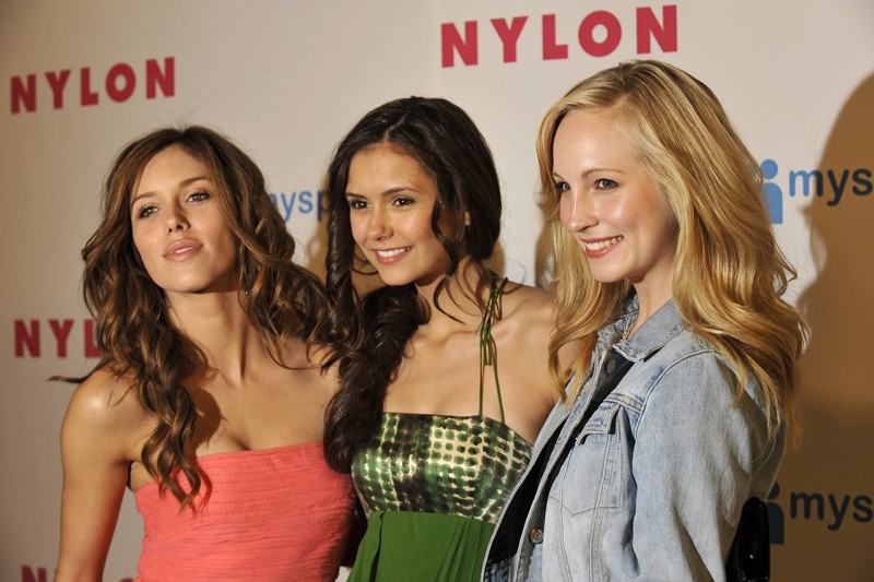 Kayla Ewell, Nina Dobrev e Candice Accola al NYLON Magazine e MySpace Young Hollywood Issue Party, il 4 Maggio 2009 in Hollywood