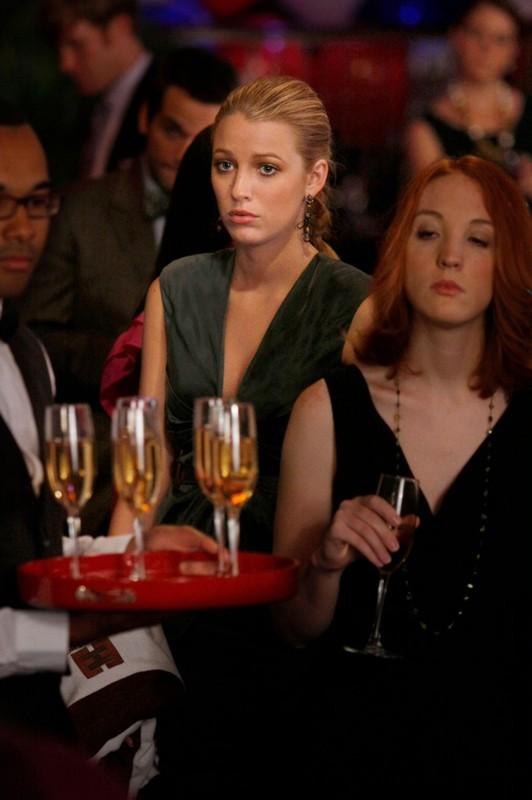 Serena (Blake Lively) al party nell'episodio The Grandfather: Part II di Gossip Girl