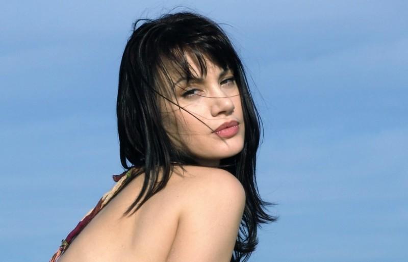 una sensuale immagine dell\'attrice Crisula Stafida