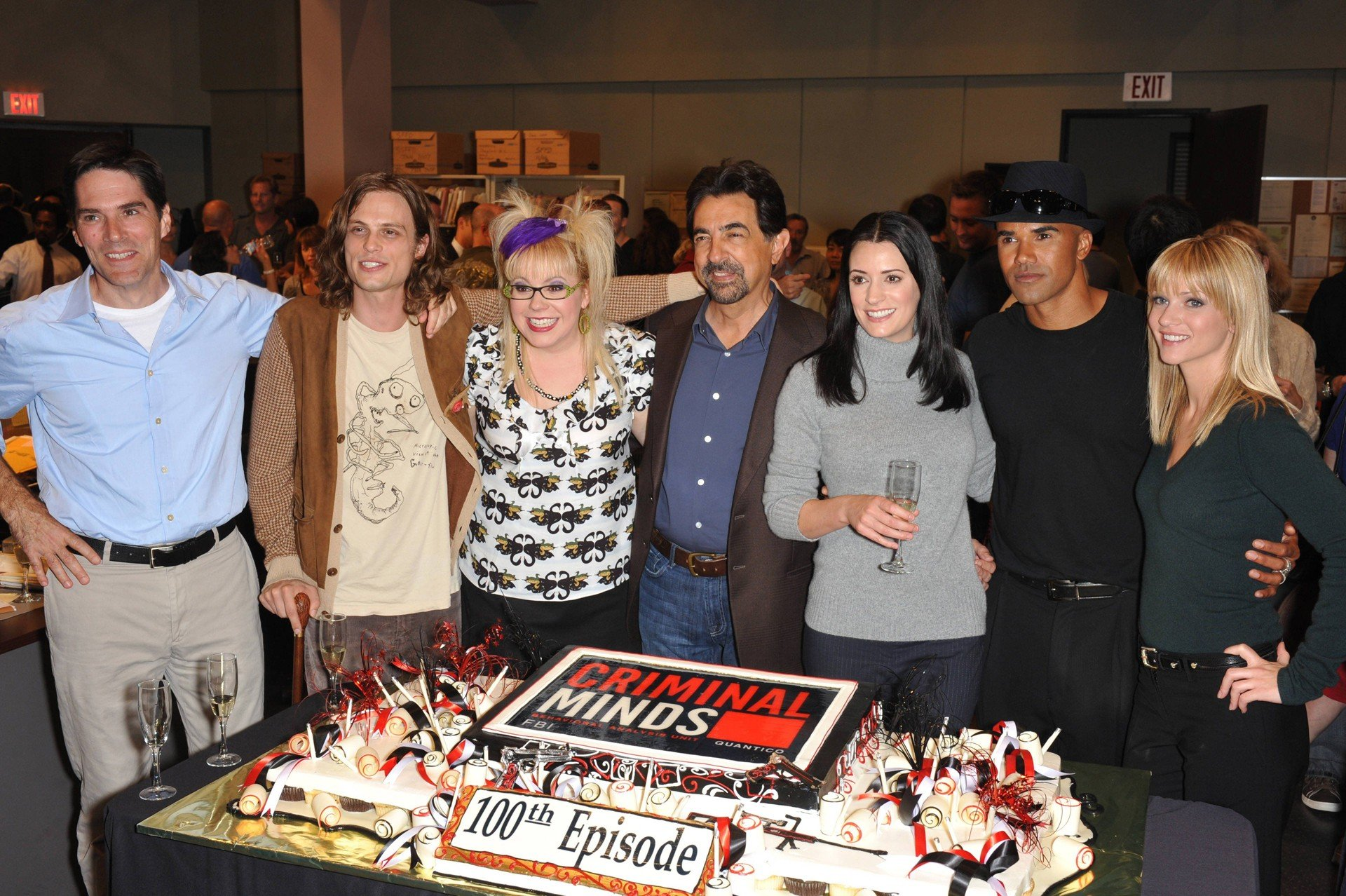 Wallpaper: il cast di Criminal Minds al Party per il 100esimo Episodio negli Quixote Studios a Los Angeles, nel 2009