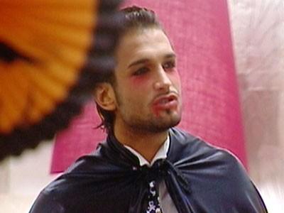 George Leonard, un vampiro nella casa del Grande Fratello 10, addobbata per Halloween