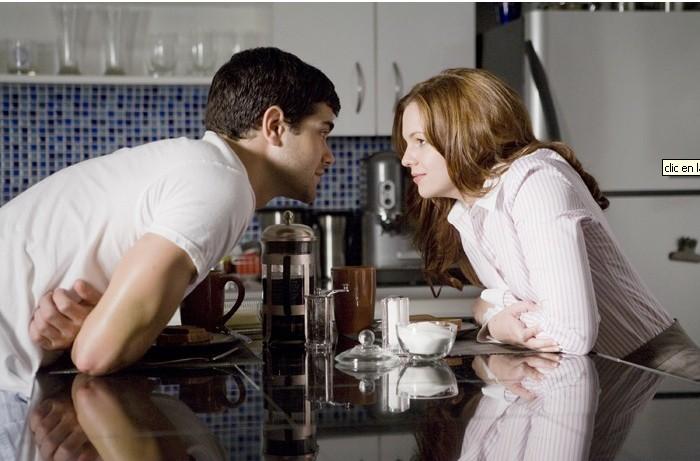 Jesse Metcalfe accanto ad Amber Tamblyn nel film Un alibi perfetto, diretto da Peter Hyams