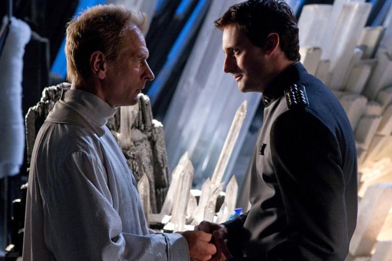 Jor-El (Julian Sands) e Zod (Callum Blue) faccia a faccia in un momento dell'episodio Kandor di Smallville