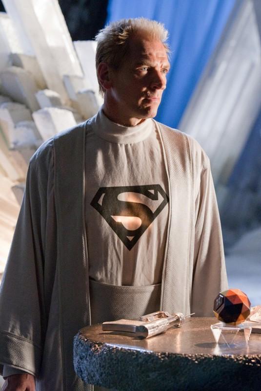 La guest-star Julian Sands interpreta Jor-El in una scena dell'episodio Kandor di Smallville