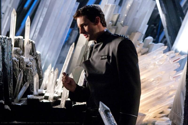 Zod (Callum Blue) in una scena dell'episodio Kandor di Smallville
