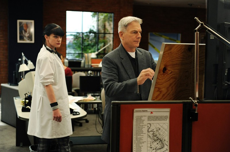 Abby (Pauley Perrette) e Gibbs (Mark Harmon) nell'episodio Power Down di Navy NCIS