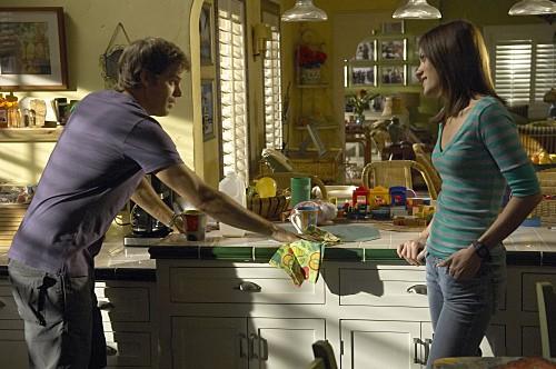 Dexter: Michael C. Hall e Jennifer Carpenter in una scena dell'episodio If I Had a Hammer