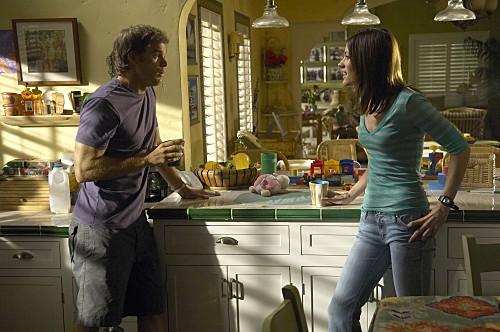 Dexter: Michael C. Hall e Jennifer Carpenter nell'episodio If I Had a Hammer