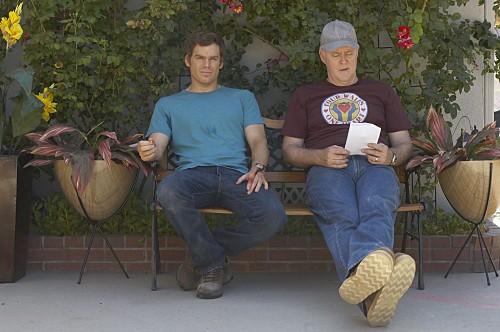 Dexter: Michael C. Hall e John Lithgow in una scena dell'episodio If I Had a Hammer