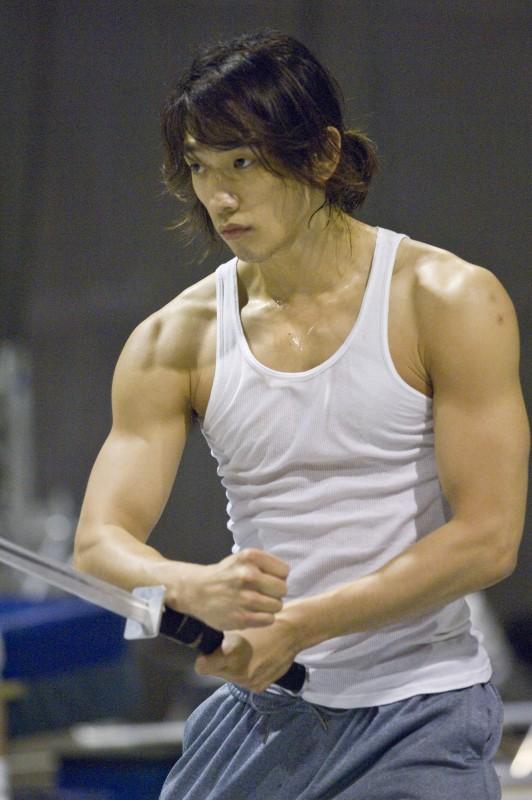 L'attore e popstar Rain si prepara ad una sequenza di Ninja Assassin