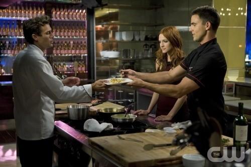 Melrose Place: Ethan Erickson, Ashlee Simpson-Wentz e Colin Egglesfield nell'episodio Gower