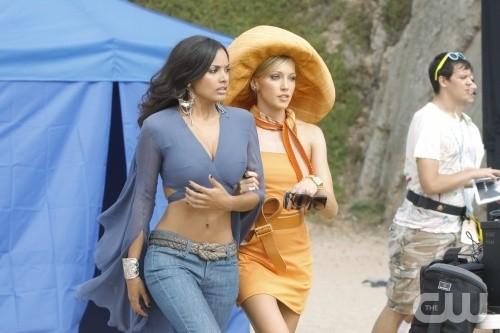 Melrose Place: Katie Cassidy e Jessica Lucas nell'episodio Windsor