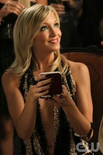 Melrose Place: Katie Cassidy nell'episodio Canon