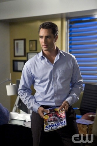 Melrose Place: Victor Webster in un momento dell'episodio Ocean