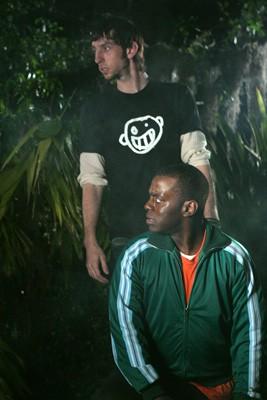 Deon Richmond e Joel David Moore in una scena di Hatchet