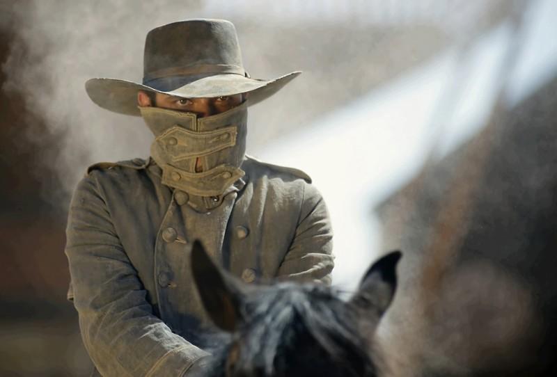 Melvil Poupaud è Jesse James nel film Lucky Luke