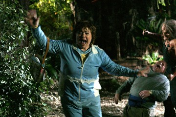 Patrika Darbo in una scena dell'horror Hatchet