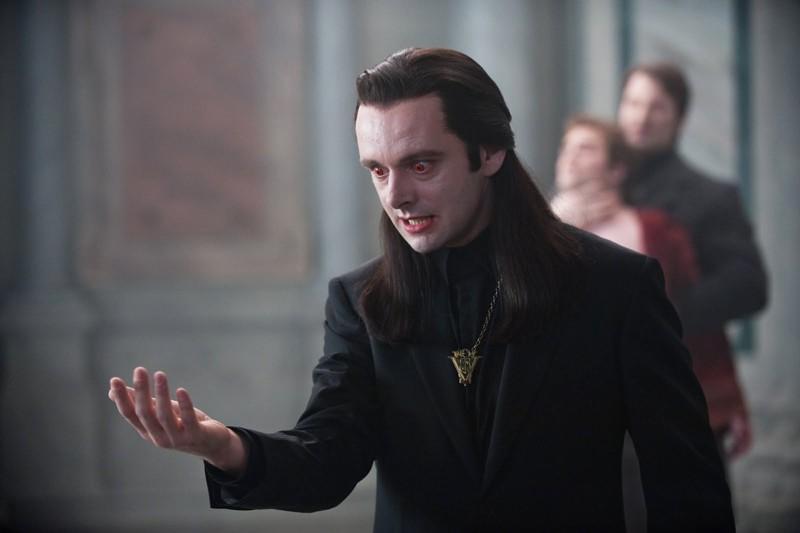 Aro (Michael Sheen) in una scena del film Twilight Saga: New Moon