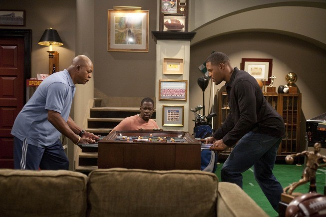 Brothers: Michael Strahan, Carl Weathers e Daryl Mitchell nell'episodio House Rules - Anniversary