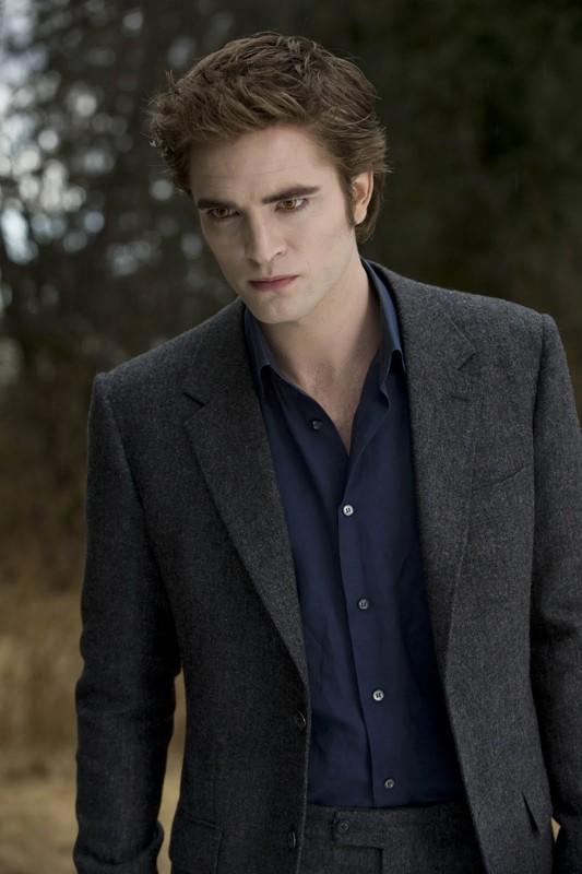 Edward (Robert Pattinson) in una scena del film della Saga Twilight: New Moon