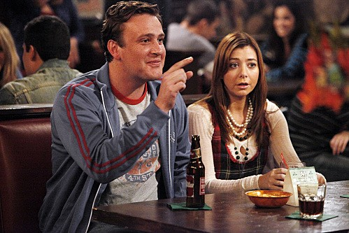 How I Met Your Mother: Jason Segel ed Alyson Hannigan nell'episodio The Playbook