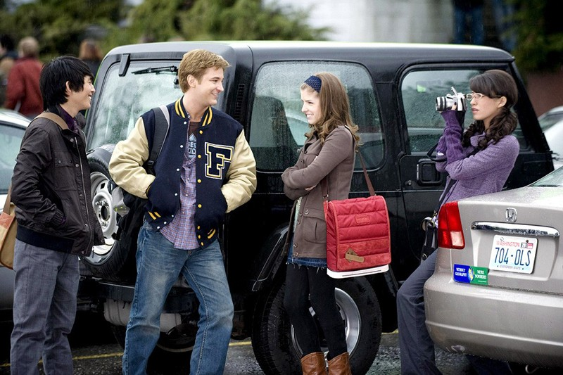 Justin Chon, Michael Welch, Anna Kendrick e Christian Serratos in un momento del film The Twilight Saga: New Moon