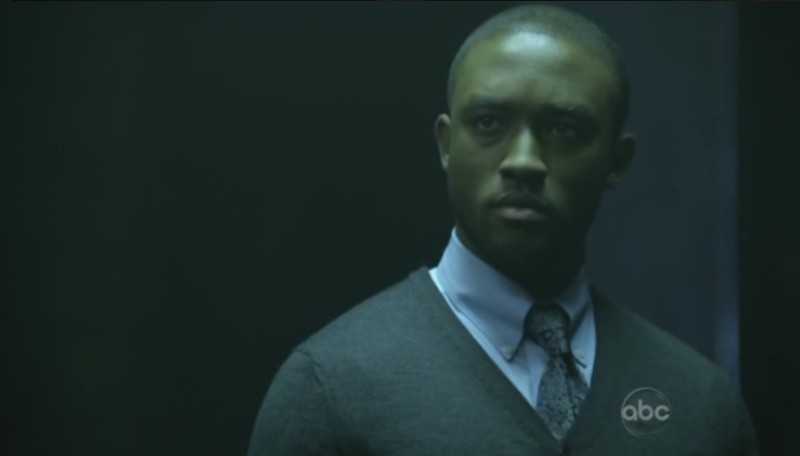 FlashForward: Lee Thompson Young in una scena dell'episodio The Gift