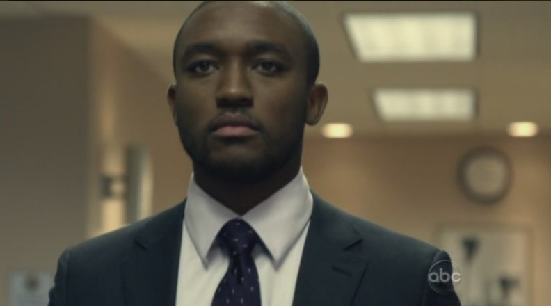 FlashForward: Lee Thompson Young nell'episodio The Gift