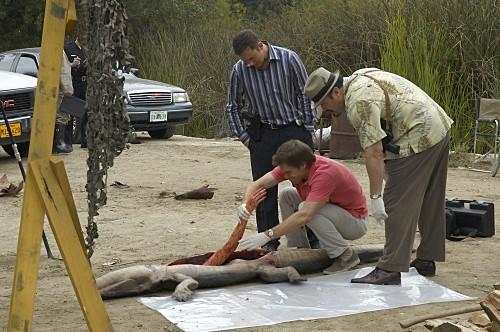 Michael C. Hall, David Zayas e Desmond Harrington nell'episodio Slack Tide di Dexter
