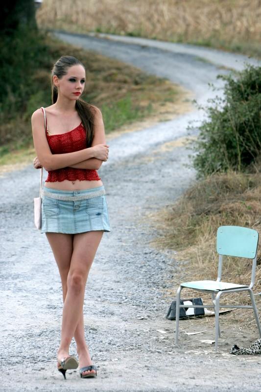 Teen girls Victorica