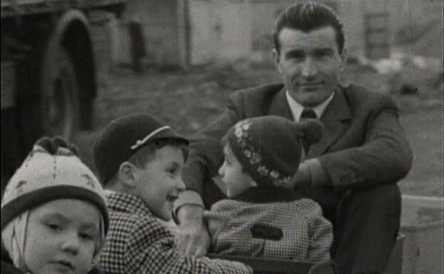 Un'immagine d'archivio nel documentario 'Come mio padre'.
