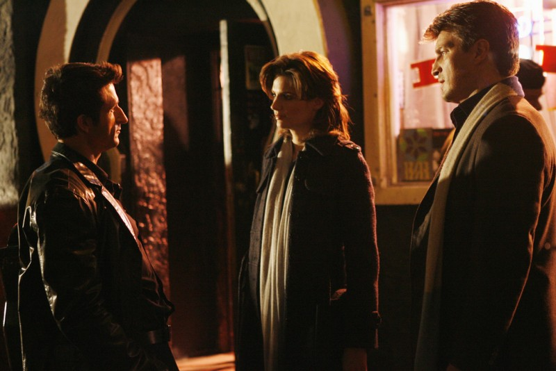 Castle: Nathan Fillion, Stana Katic e Jonathan LaPaglia nell'episodio Love Me Dead