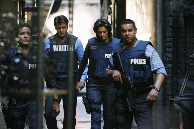 Castle: Seamus Dever, Nathan Fillion, Stana Katic e Jon Huertas nell'episodio Love Me Dead