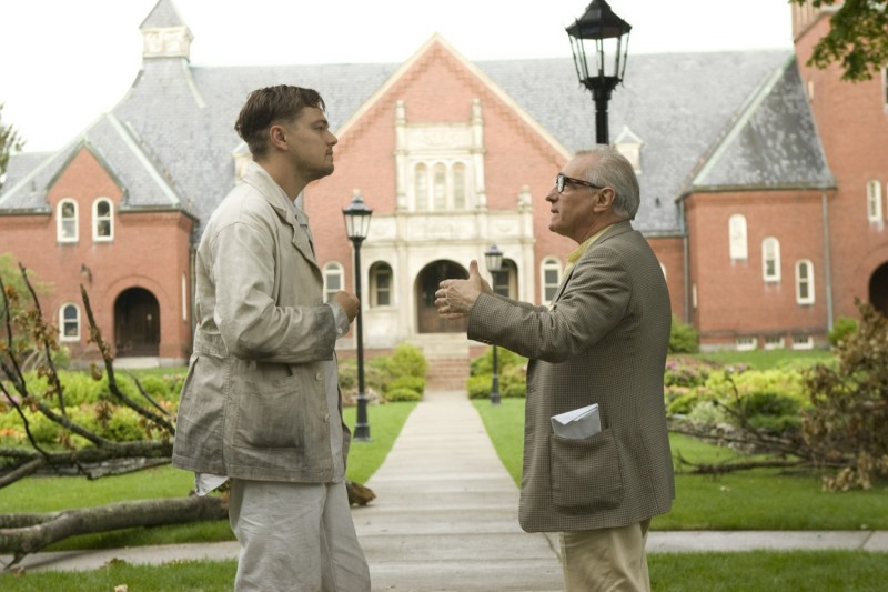 DiCaprio e Scorsese sul set di Shutter Island, tratto da L'isola della paura di D. Lehane.