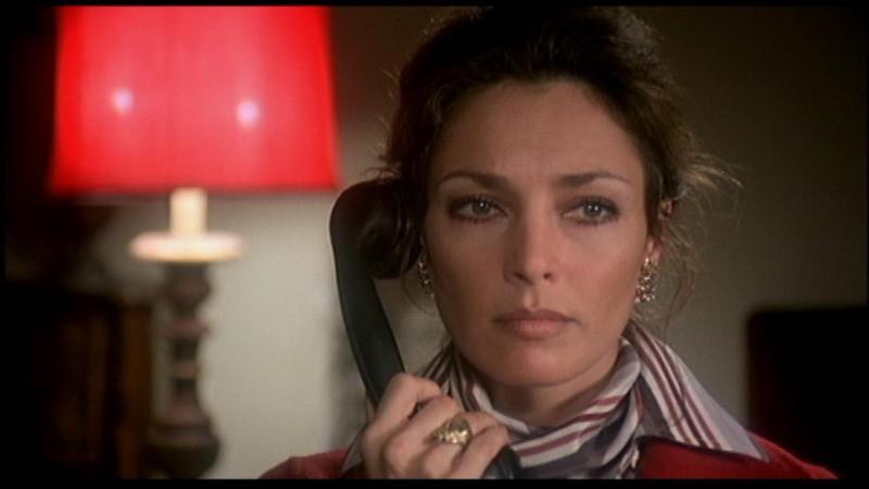 Jennifer O'Neill in una scena del film Sette note in nero, di Fulci