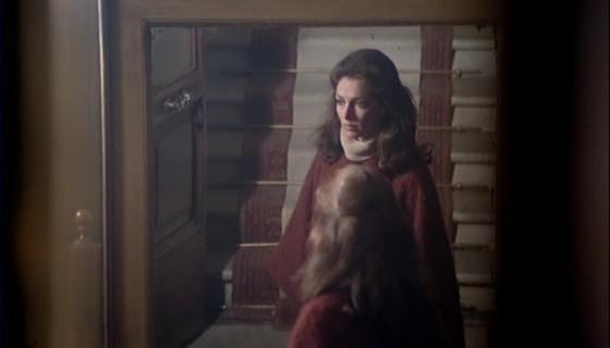 Jennifer O\'Neill in una scena del thriller Sette note in nero ( 1977 )