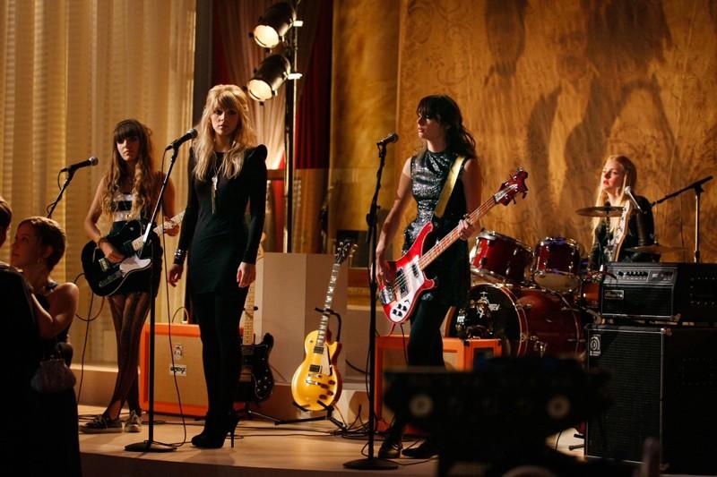 La band femminile Plastiscines si esibisce nell'episodio They Shoot Humphreys, Don't They? di Gossip Girl